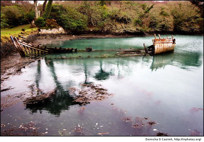 boat-wreck-at-dunboy-castle