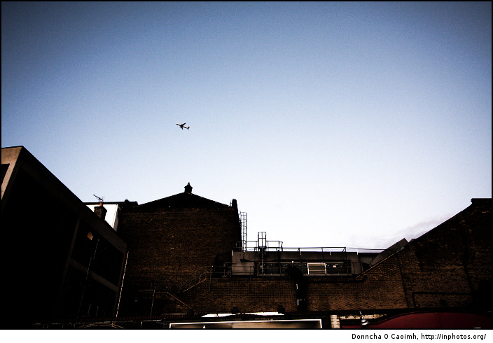 lone-plane-over-windsor