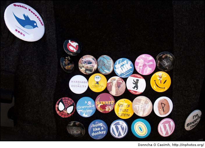 Knott's badges