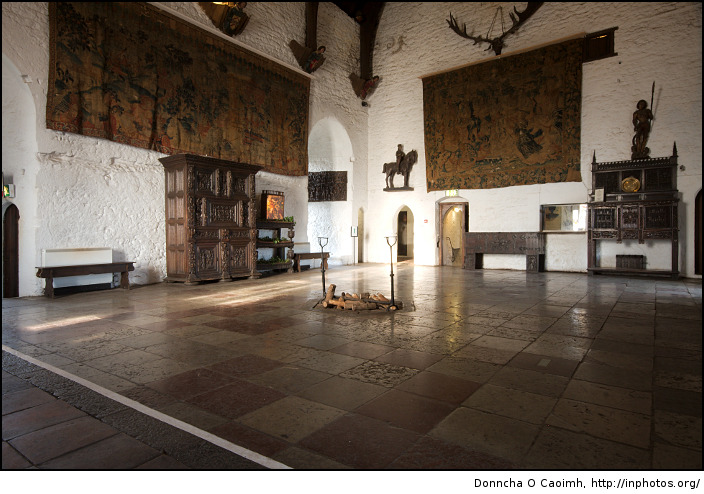 Bunratty-Castle-Interior.jpg