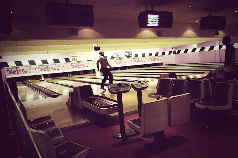Coliseum Bowling