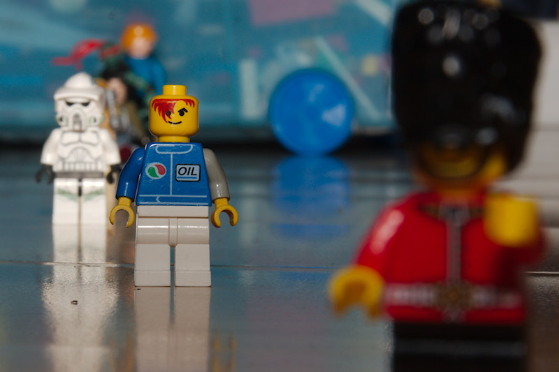 Lego characters shot at f/20