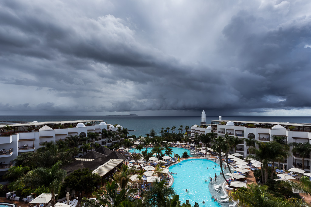 clouds-over-the-princesa-yaiza-hotel