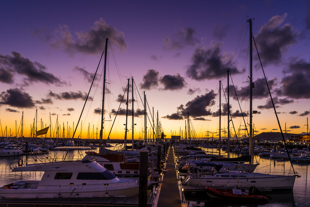 sunset-boats-in-playa-blanca