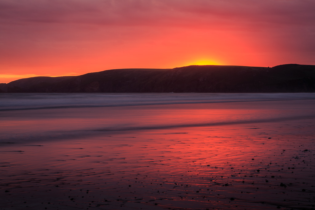 sunset-over-newgale-beach